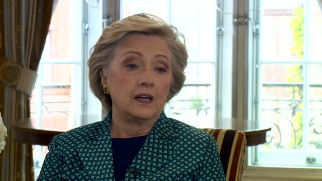 Hillary Clinton saying if Britain went ahead with Brexit without negotiating a deal with the EU it would be a 'quite serious' situation