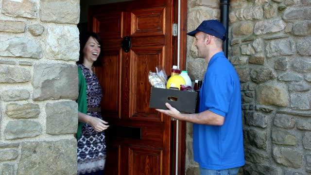Home delivery of food / groceries