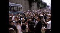 1964 Home Movie Italy - Crowd of people going in the Vatican