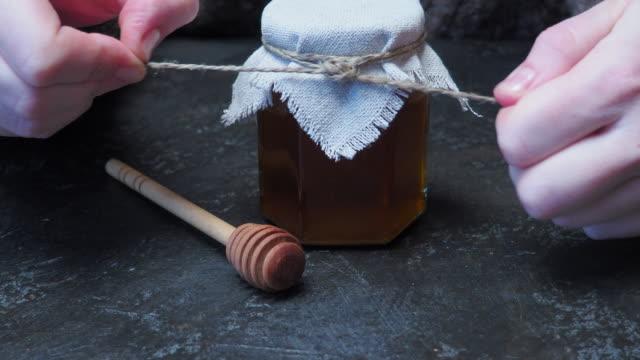 Honing pot openen
