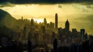 Hong Kong Stadt mit Dramatischer Himmel