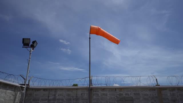 Horizontal fliegenden Windsack