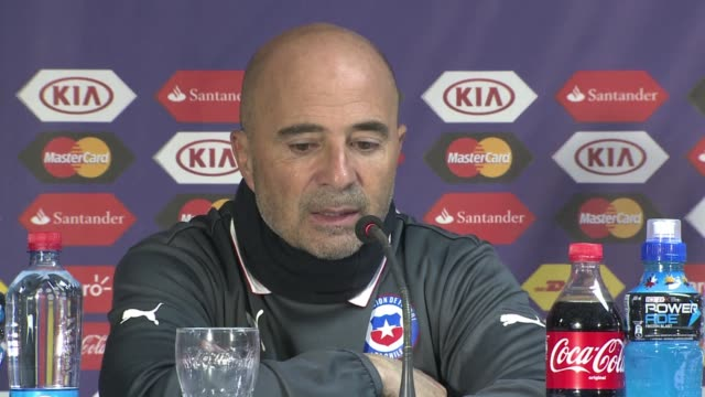 Hosts Chile shrugged off Arturo Vidal's drunkendriving controversy to power into the quarterfinals of the Copa America on Friday with a 50 thrashing...