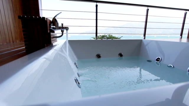 Jacuzzi with sea view