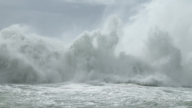 Huge waves crash into rugged coast of Taiwan as typhoon Soudelor approaches landfall