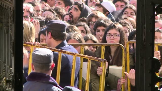Hundreds of Harry Potter fans were waiting in front Uruguays Parliament on Wednesday to get a glimpse of actress Emma Watson who visited the small...
