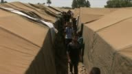 Hundreds of Iraqis from Ramadi and Anbar province fled after it was taken by jihadists of the islamic state on Saturday to take shelter near the...
