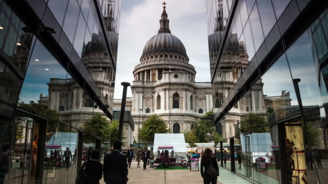 LONDON - CIRCA 2013: Hyper Lapse, Hyperlapse, time lapse of St Paul Cathedral from One New Change
