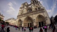 TL Hyperlapse along front of Notre Dame