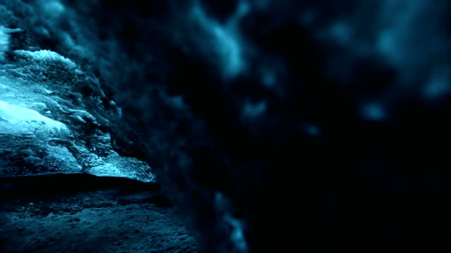 HD VDO: ice caves in Iceland