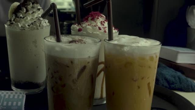 ijs koffie in Cafe