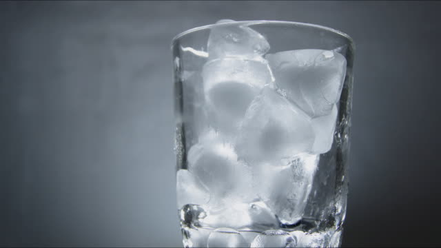 ice cubes, melting