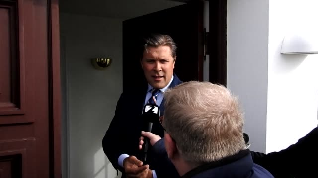 Iceland's president tasks conservative leader Bjarni Benediktsson with forming a new government after snap elections triggered by the Panama Papers...