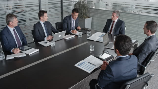 LD CEO in a meeting with the board of directors
