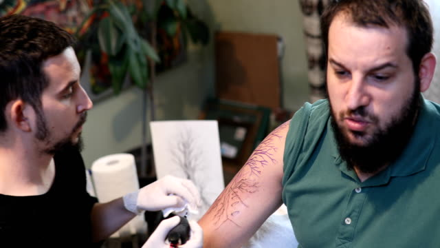 In tattoo studio 4k
