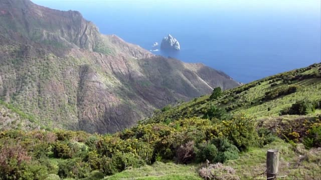 Inaugural scheduled air link begins to St Helena British territory in South Atlantic on Saturday
