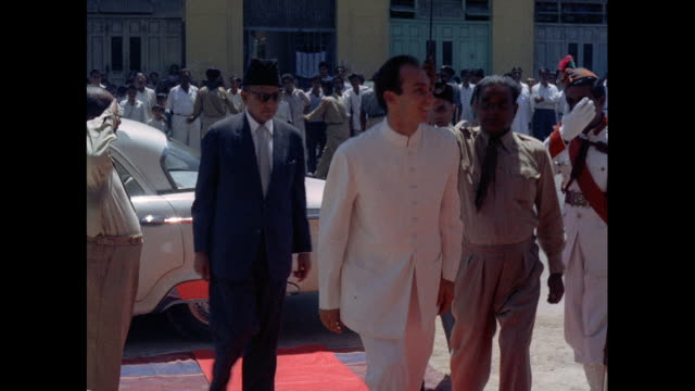 Inauguration of a new school by Prince Prince Karim Aga Khan in Pakistan