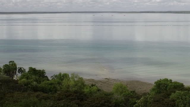 T/L WS PAN Incoming tide in Darwin Harbour and sense of sea-level rise on climate change/ Darwin Harbour, Northern Territory, Australia