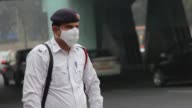 Indian authorities will limit the numbers of cars on the road from January 1st as part of their battle against the record levels of air pollution in...
