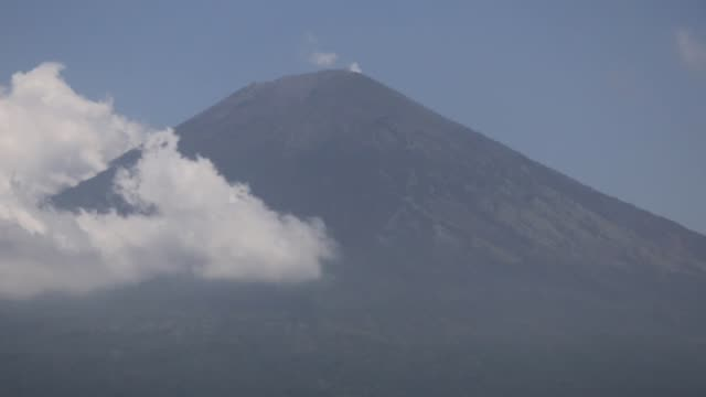 Indonesians have been evacuated from their homes to temporary shelters due to the volcanic activities of Mount Agung in Bali Indonesia on September...