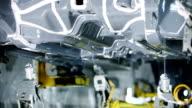 Robot industriali, l'assemblaggio di automobili