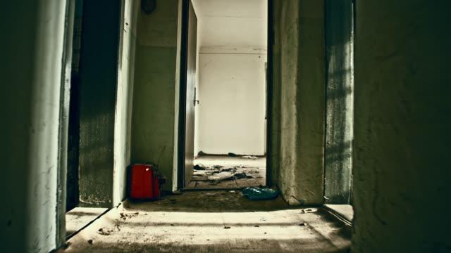Interieur van een verlaten huis