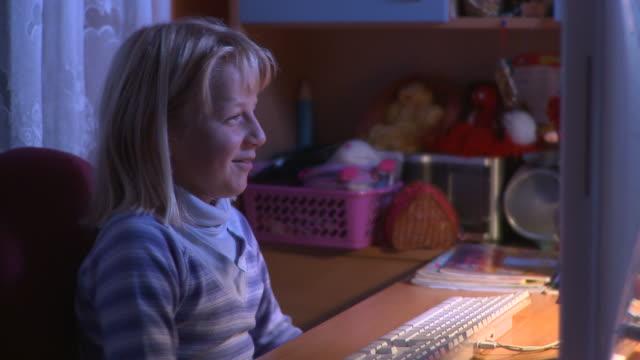 DOLLY HD: Internet-Unterhaltung