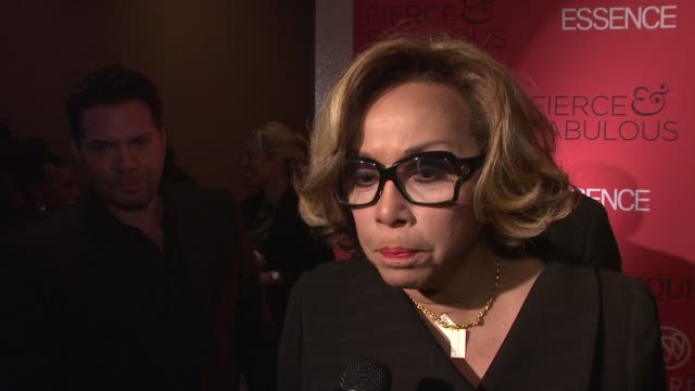 [Interview] Diahann Carroll Feels like a mother with essence and remembers the beginning and striving for a moment like this 40th anniversary She...