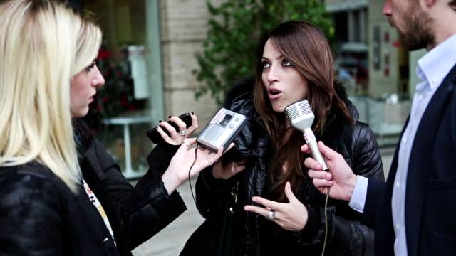 TV-interview in den Straßen