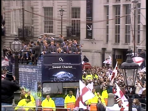 Interview with Sir Clive Woodward TX ENGLAND London EXT Opentop bus named 'Sweet Chariot' and carrying England World Cup rugby squad in victory parade