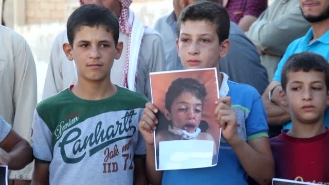 Investigadores de la ONU responsabilizaron por primera vez el miercoles al gobierno de Siria por el ataque con gas sarín en la localidad de Jan...