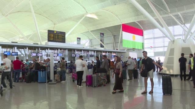 Irak suspendio desde el viernes todos los vuelos internacionales desde y hacia el Kurdistan iraqui la primera medida concreta de represalia tras el...