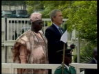 Iraq war Bush backs CIA POOL NIGERIA Abuja EXT SIDE MS US President George WBush and Nigerian President Olusegun Obasanjo Nigerian soldier standing...