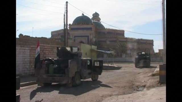 Iraqi federal forces on Thursday continued to advance in the city of Ramadi and took control of the grand mosque days after declaring victory over...