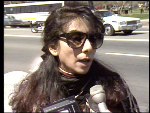 / Iraqis outside the White House protest US policy of not getting involved in the rebel uprising against Saddam Hussein / Iraqis interviewed about...