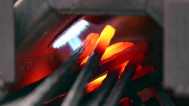 Iron forge, Nahaufnahme, in einem Schmied.