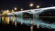 Isabel II puente triana puente en sevilla timelapse de noche