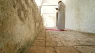 HD: Islamic Man Reading The Koran