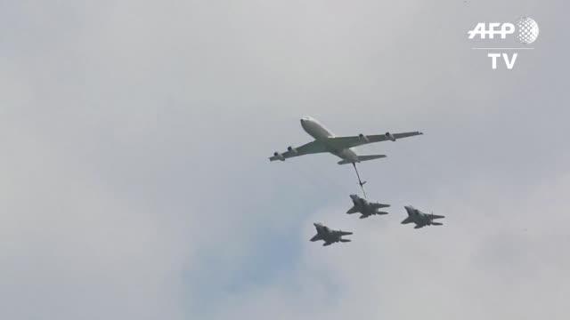 Israel lucio el martes sus nuevos cazas furtivos F35 recientemente entregados por Estados Unidos como parte de un espectaculo aereo que conmemoro su...