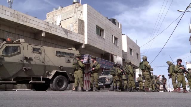 Israeli security forces were searching on Thursday for a Palestinian man whom they say attempted to carry out a stabbing attack in Hebrons Tel...