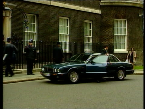 U'LAY MILLBANK ENGLAND London Downing Street EXT Jack Straw MP out of car and along as arriving at no10