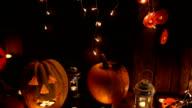 Jack-o-lantaarn op een donkere achtergrond