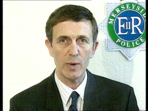 James Bulger child murder MS Family past temporary offices of Merseyside Police in shopping centre CMS Det Supt Albert Kirby speaking at pkf SOF Keep...