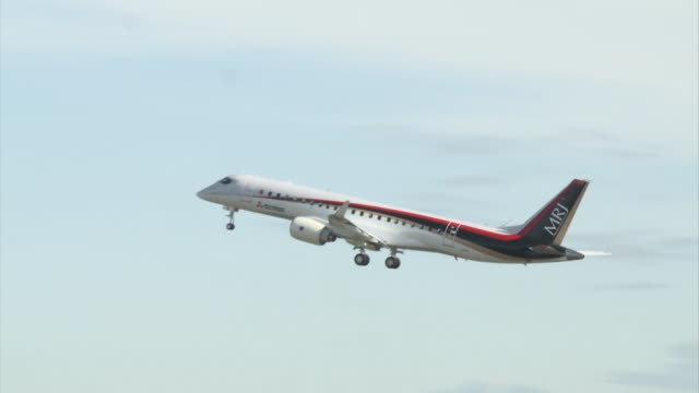 Japan's first domestically produced commercial passenger aircraft for 50 years 'Mitsubishi Regional Jet ' taking off from Nagoya Airport in Aichi...
