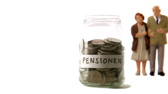 A jar with coins that decreases.