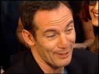 Jason Isaacs at the Premiere of 'The Patriot' on June 27 2000