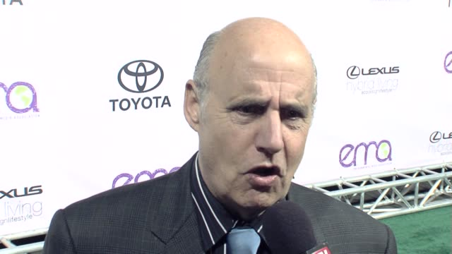 Jeffrey Tambor on the event going green the Arrested Development movie at the The 18th Annual ENVIRONMENTAL MEDIA AWARDS Benefiting the Environment...