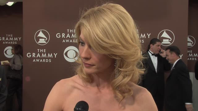 Jenna Elfman on taking care of herself on her new show on loving her new character and on presenting to Faith Hill tonight at the 2006 Grammy Awards...