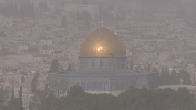 Jerusalen sufre un 50% mas de polucion que de normal y vientos de 100km/h originados en Egipto y en el Sinai y que afectan a Israel y los Territorios...