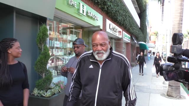 INTERVIEW Jim Brown talks about the NFL treatment of Ezekiel Elliott while shopping in Beverly Hills in Celebrity Sightings in Los Angeles